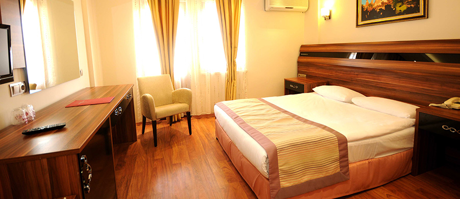 Hotel-Rooms-Delux-Room